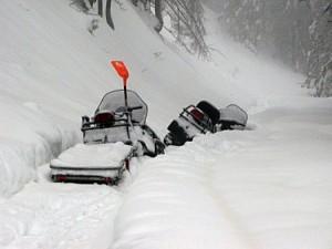 S sankami se zaradi plazov in prevelike količine snega nismo uspeli prebiti v dolino
